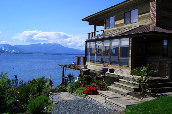 Beachfront at Vesuvius Bed and Breakfast in Salt Spring Island, BC